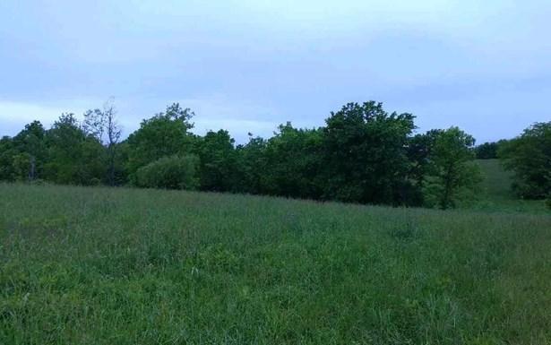 74 Meadow Lake Drive , Lancaster, KY - USA (photo 2)