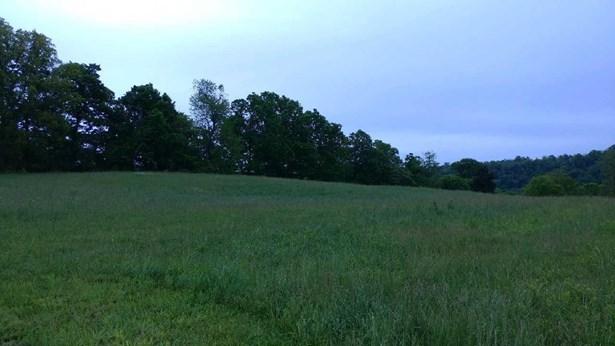 74 Meadow Lake Drive , Lancaster, KY - USA (photo 3)
