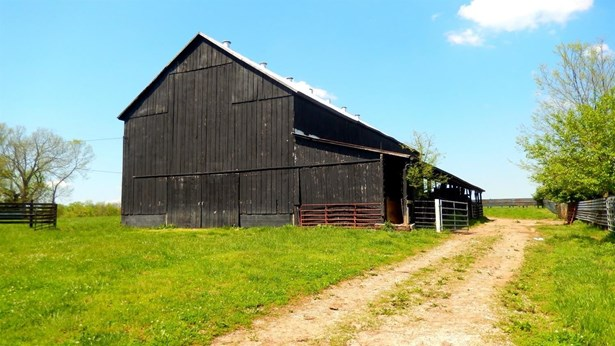 1627 Kidds Mill Road , Versailles, KY - USA (photo 2)