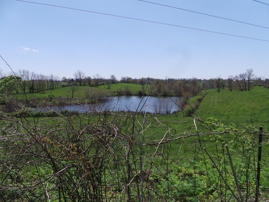 2156 L & E Junction Road , Winchester, KY - USA (photo 2)