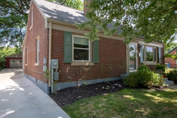 223 Bassett Avenue , Lexington, KY - USA (photo 2)