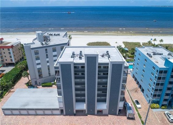 Mid Rise (4-7) - FORT MYERS BEACH, FL