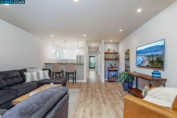 Condo, Contemporary - PLEASANT HILL, CA