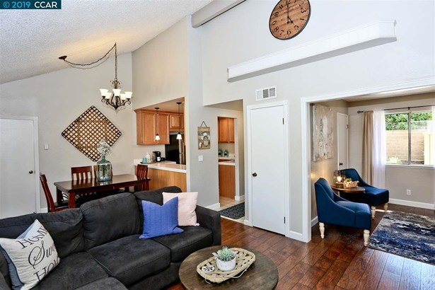 Townhouse, Ranch - CONCORD, CA