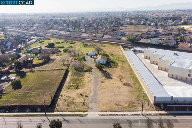 Comm Lots and Land - OAKLEY, CA
