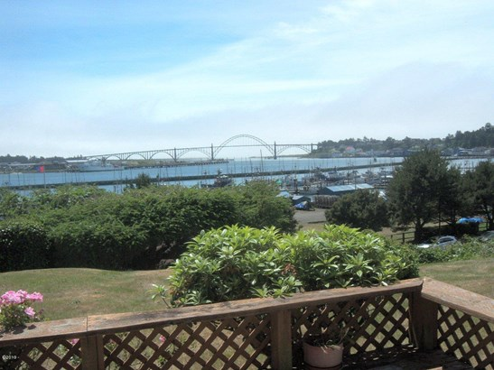 Land - Newport, OR