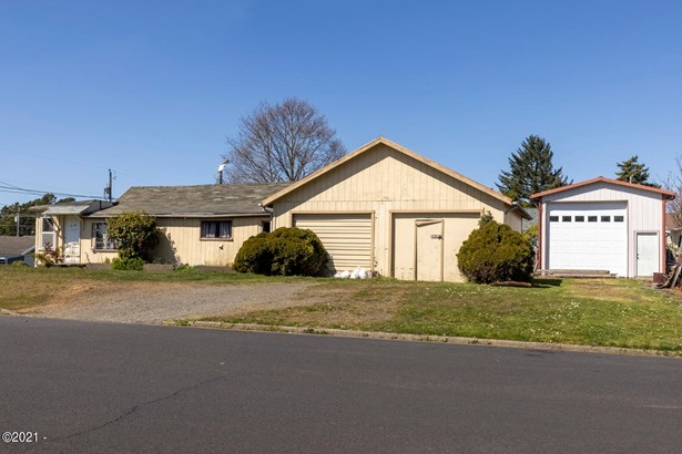 Residential, Traditional - Newport, OR