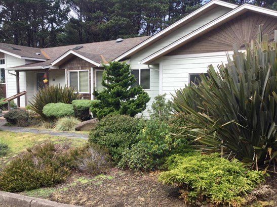 Traditional, Residential Single Family - Newport, OR