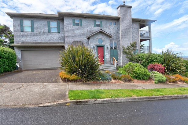 Two Story, Residential Single Family - Newport, OR