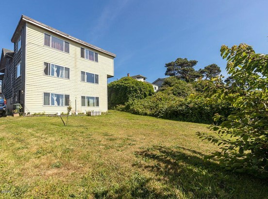 Multi-Dwelling, Tri-Plex - Newport, OR