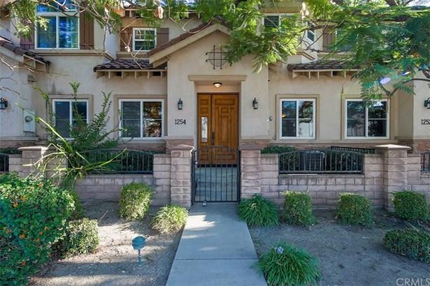 Single Family Residence, Contemporary - Duarte, CA
