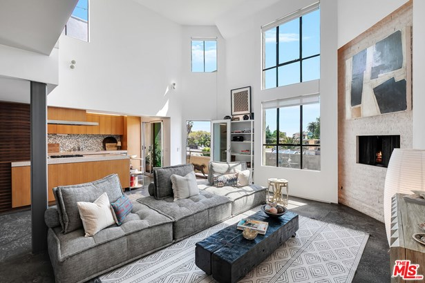 Townhouse, Architectural - West Hollywood, CA