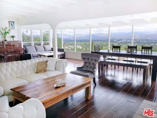 Residential Lease, Traditional - Studio City, CA