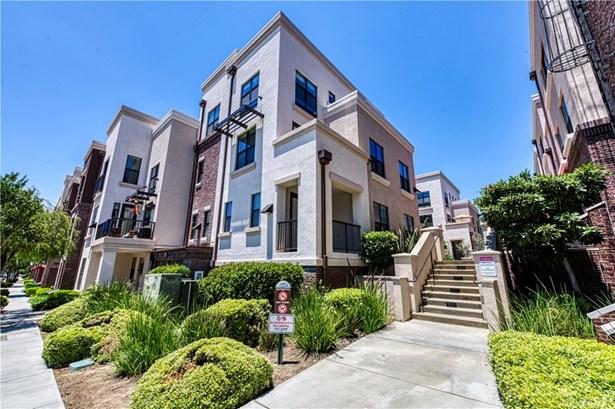 Condominium, Contemporary - Monrovia, CA