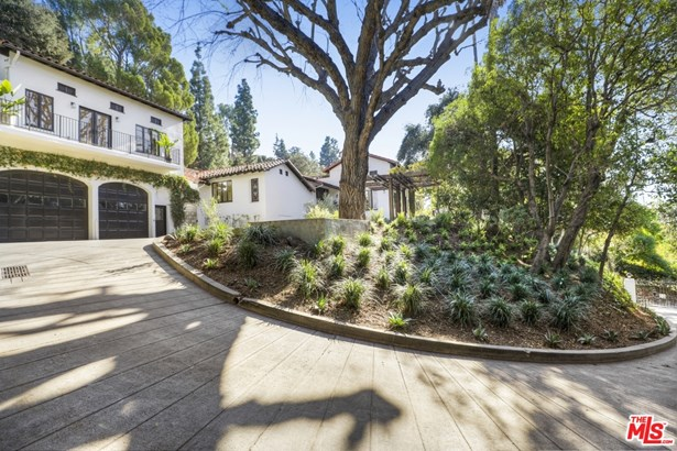 Single Family Residence, Spanish Colonial - LOS ANGELES, CA
