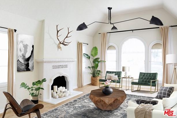Tudor, Single Family Residence - Los Angeles, CA