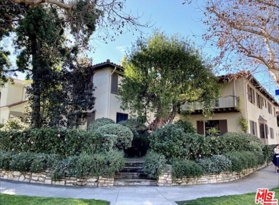 Spanish, Apartment - Los Angeles, CA
