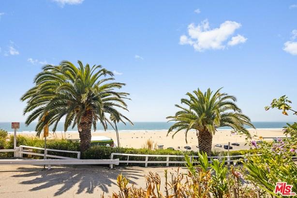 Single Family Residence, Spanish Colonial - Santa Monica, CA