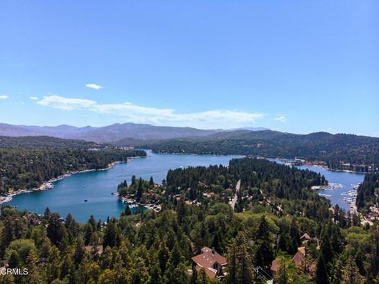 Single Family Residence, Traditional - Lake Arrowhead, CA