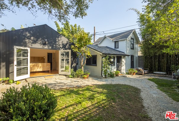 Cape Cod, Residential Income - Los Angeles, CA