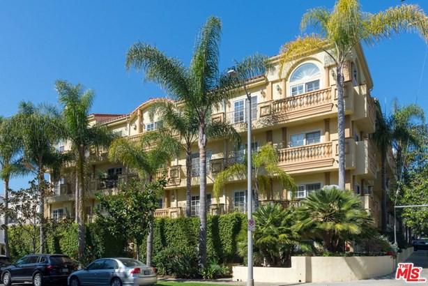 Low Rise, Condominium - Los Angeles (City), CA