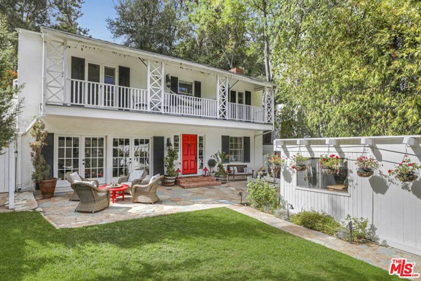Single Family Residence, Monterey Colonial - Los Angeles, CA