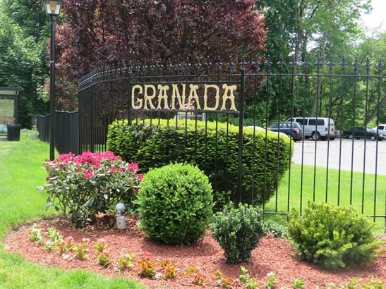 4 Granada Crescent 4, White Plains, NY - USA (photo 1)