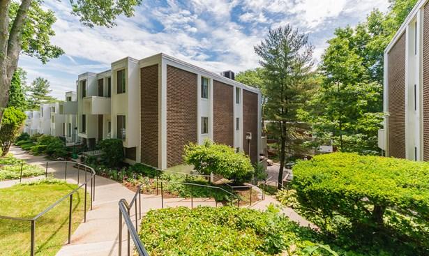 217 Tallwood Drive 217, Hartsdale, NY - USA (photo 2)