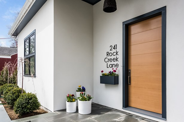 241 Rock Creek Lane, Scarsdale, NY - USA (photo 2)