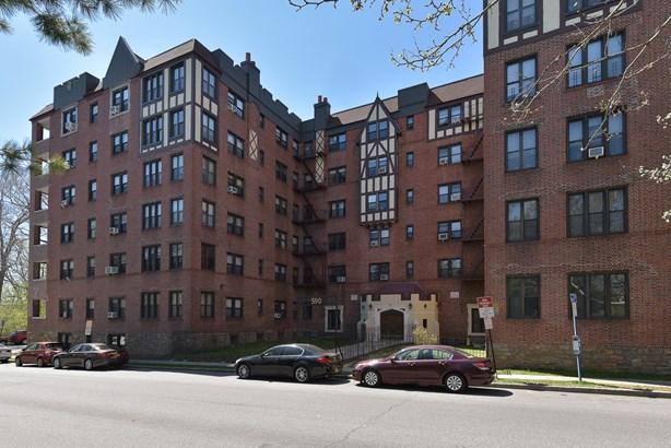 590 E Third Street 4l, Mount Vernon, NY - USA (photo 1)