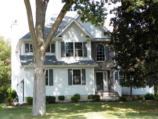 12 Oak Way, Wappinger, NY - USA (photo 1)