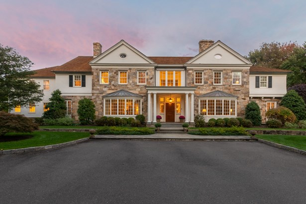 300 Brookside Rd Darien CT-print-004-055-Twilights-3278x2185-300dpi.jpg