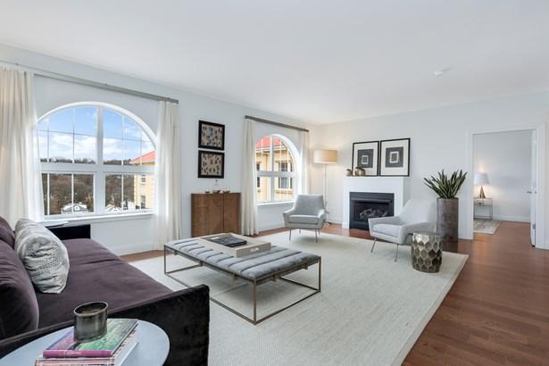 10 Byron Place 202, Larchmont, NY - USA (photo 2)