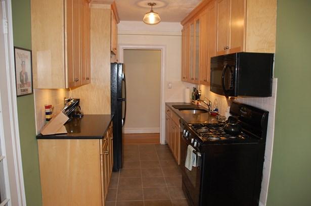 1080 Warburton Avenue 2f, Yonkers, NY - USA (photo 4)