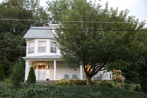 48 Oak Street, Brewster, NY - USA (photo 2)