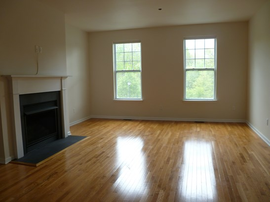 4 Erin Ct 4, Poughkeepsie, NY - USA (photo 2)