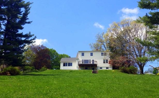 322 Sunset Hill Rd, Fishkill, NY - USA (photo 2)