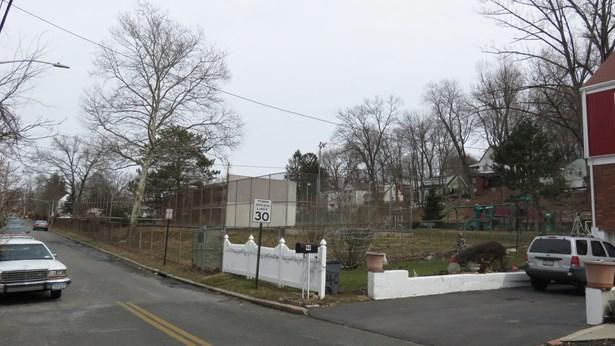 56 Cabot Avenue, Elmsford, NY - USA (photo 5)