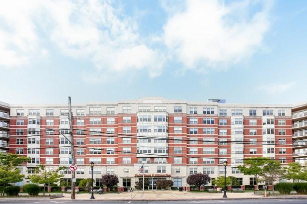 300 Mamaroneck Avenue 429, White Plains, NY - USA (photo 2)