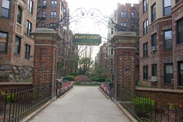 760 Brady Ave 519, Bronx, NY - USA (photo 1)
