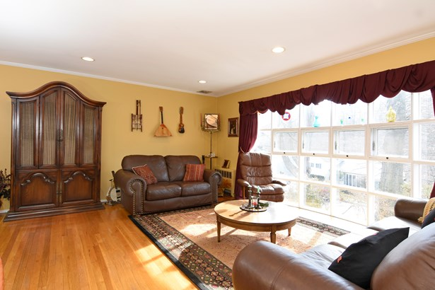 12 Burkewood Road, Hartsdale, NY - USA (photo 2)