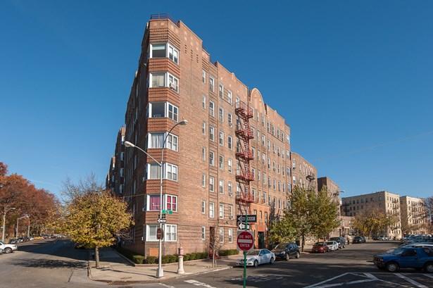 601 N Pelham Parkway 218, Bronx, NY - USA (photo 1)