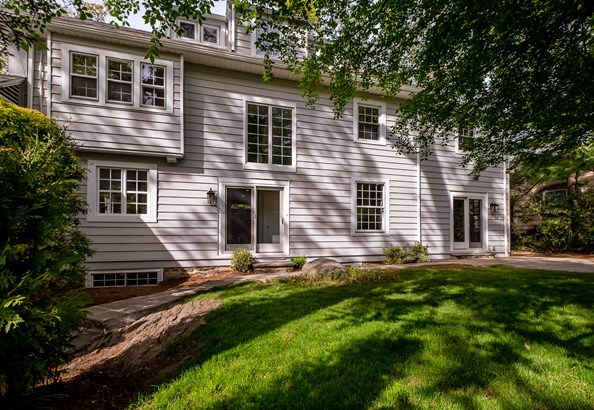 211 Douglas Place, Mount Vernon, NY - USA (photo 3)