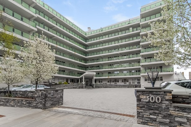 300 Martine Avenue 8a, White Plains, NY - USA (photo 1)