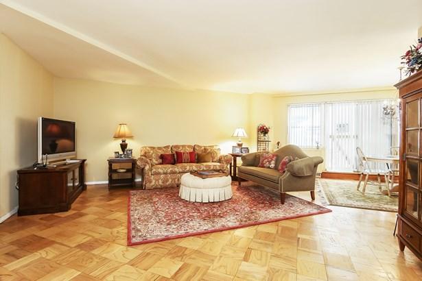 300 Martine Avenue 8a, White Plains, NY - USA (photo 3)