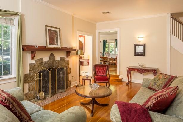 141 Douglas Place, Mount Vernon, NY - USA (photo 2)