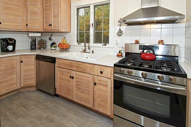 8 Lakeview Terrace, Amawalk, NY - USA (photo 3)