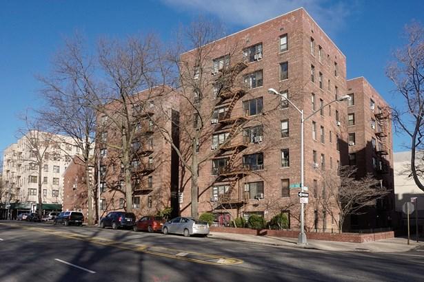 2244 Bronx Park East 6-e, Bronx, NY - USA (photo 1)
