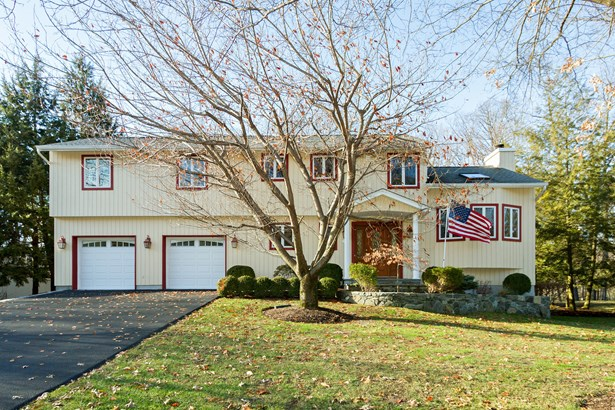 1440 Trout Brook Street, Yorktown Heights, NY - USA (photo 1)