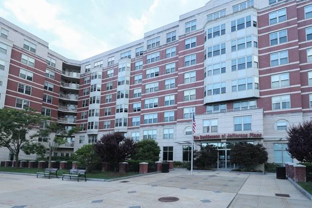 300 Mamaroneck Avenue 812, White Plains, NY - USA (photo 1)
